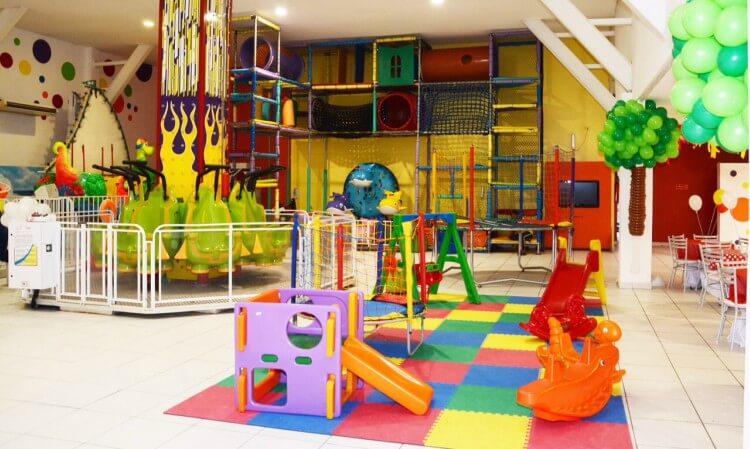buffet infantil com brinquedos