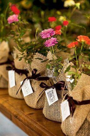 flores e plantinhas como lembrancinha