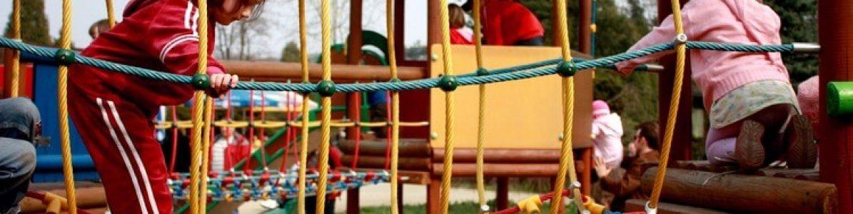 Playground em escola infantil: modelos internos e externos