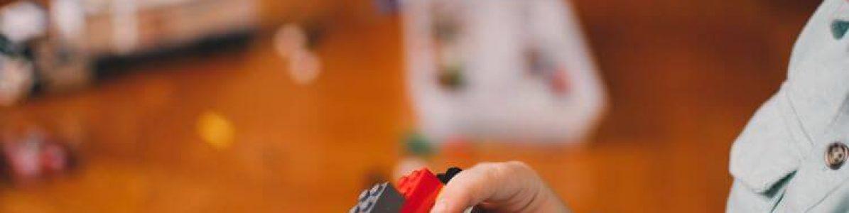 Brincadeiras educativas: 4 atividades que ajudam no desenvolvimento da criança