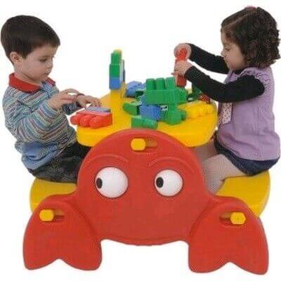 Mesa criativa para crianças