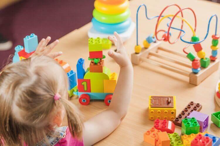 Brinquedos para coordenação motora