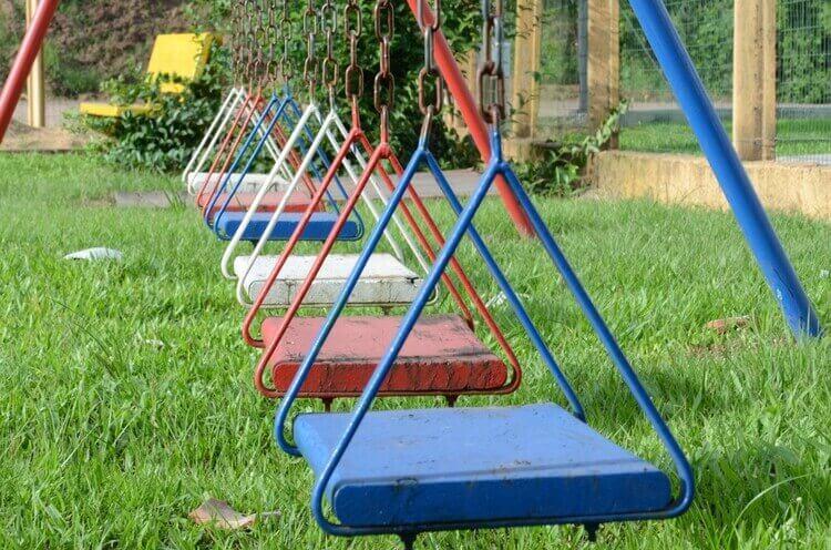Playground gramado sintético