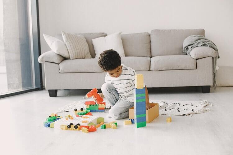 Você sabe quais brinquedos estimulam a imaginação do seu filho? Descubra aqui!