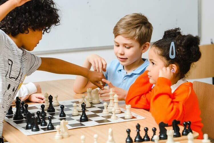 Aprenda os melhores jogos de tabuleiro para crianças